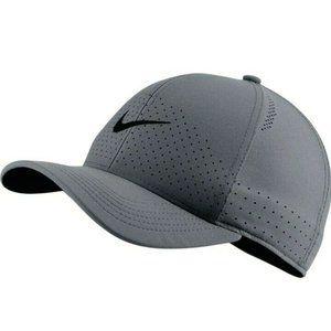 Nike Drifit AeroBill Classic 99 Golf Flex small/me